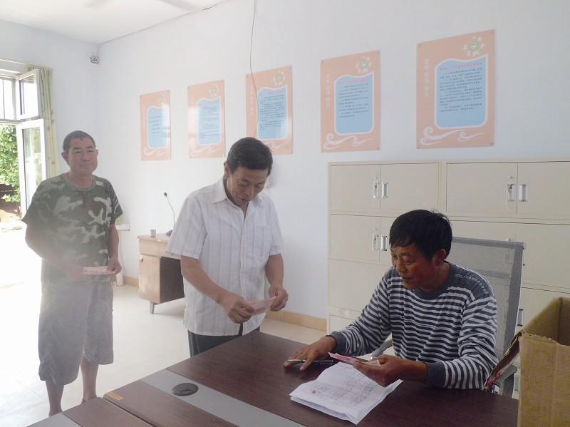 """黄岛区民政局和慈善总会也为他们开启了"""""""