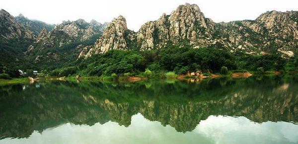 该项目位于大珠山风景区南麓