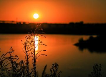 实拍夕阳下的大沽河 落日余晖洒满母亲河