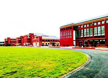 海王路小学开门纳生 满足1700余名学生入学需求