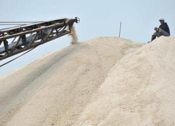 探访青岛最后的盐场 盐垛堆得像银山