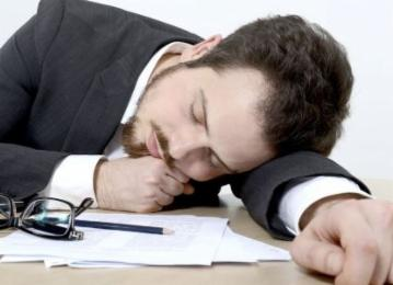 上班犯困怎么办 6大方法让你打起精神
