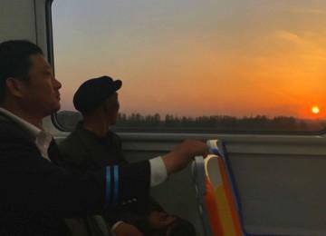 """高铁与地铁 让青岛城际旅游如""""热恋"""""""