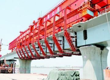 青连铁路跨海大桥合龙