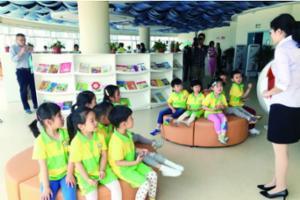青岛市少儿图书馆半年接待15万小读者