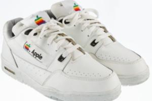 苹果20年前还做过跑鞋!现在一双起拍价10万元