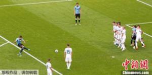 苏亚雷斯卡瓦尼建功 乌拉圭3-0完胜东道主俄罗斯