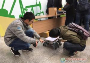 新区学子研发可折叠六足轮腿式机器人获实用新型专利授权
