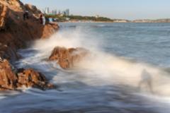 海滨:潮涨潮落