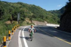连云港8岁男孩骑行去拉萨