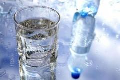 喝矿泉水会导致结石吗?