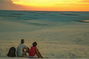 巴西沙丘湖奇景