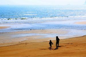 沙滩剪影  惬意唯美