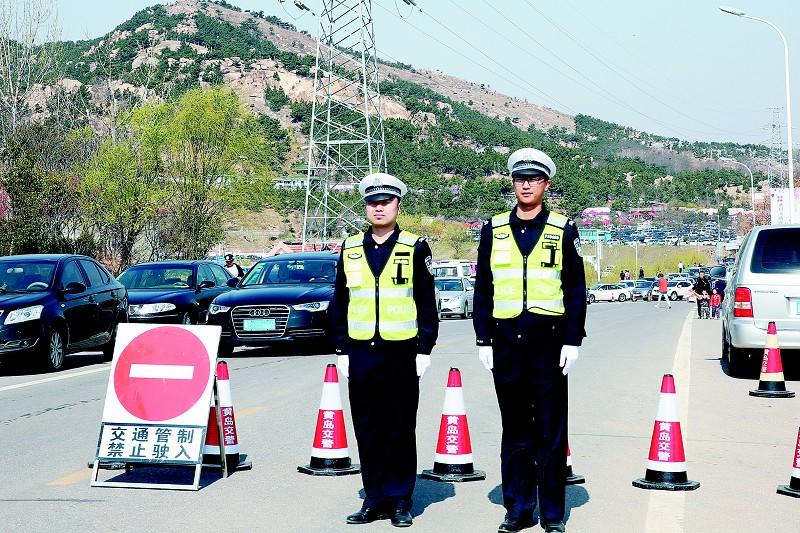 屯警于路面,重点加强对琅琊台,大珠山石门寺,珠山秀谷,藏马山,西海岸
