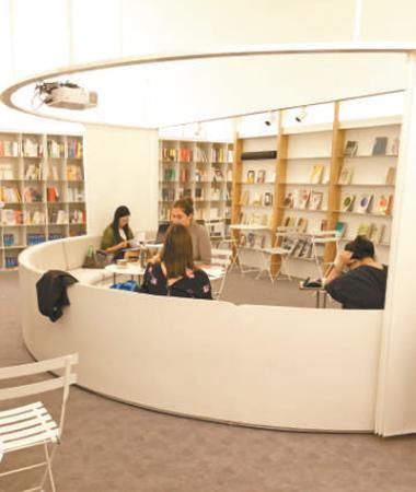 校园书店渐次2.jpg